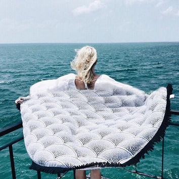 Large Round Polyester Knitted Tassel Boho Beach Towel Blanket