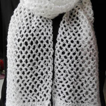 White scarf, white crochet scarf, woman scarf, wife scarf, mom scarf, girlfriend scarf, gift for women, gift for her, birthday gift, winter