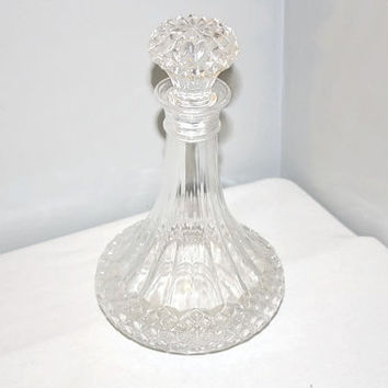 Diamond Cut Glass Ships Decanter with Stopper, Liquor Bottle, Wine Dispenser