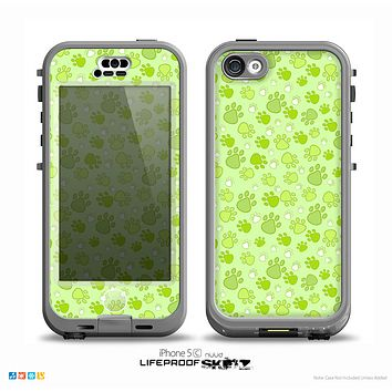 The Vibrant Green Paw Prints Skin for the iPhone 5c nüüd LifeProof Case