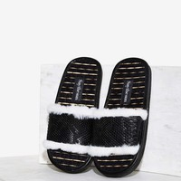 Say The Sun Snake Faux Fur Slide Sandal - Black