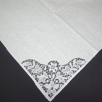 Set of 8 Vintage 1970s White Woven Dinner Napkins with Lace Flower Corner, 17 x 16.5 Inches, Vintage Table Linens, 1970s Home Decorating
