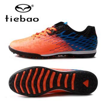 TIEBAO Brand  Soccer Shoes 2017 Teenagers Sports Football Boots TF Turf Soles Sneakers Wear-resistant non-slip Soccer Cleats