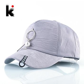Trendy Winter Jacket Spring And Autumn Baseball Caps Women Fashion Metal Pearl Decoration Snapback Hip Hop Hats Grils Trucker Caps Female Casquette AT_92_12