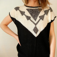 Vintage Summer Sweater - Size Medium - Black and White Arrows Chevron Short Sleeved Sweater