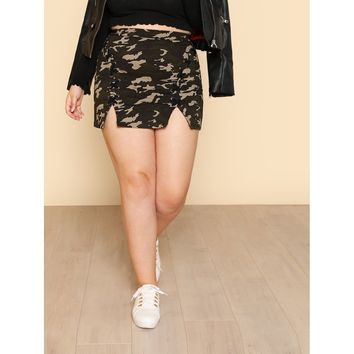 M-Slit Crisscross Camo Skirt