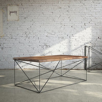 beautiful and modern coffee table ideal for the living room - stylish