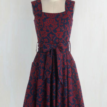 Long Sleeveless Fit & Flare Guest of Honor Dress in Vines