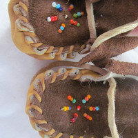 Vintage Indian Leather Baby Moccasins MINNEHAHA Glass Hand Beaded Native American Made ReBorn Baby Doll Shoes