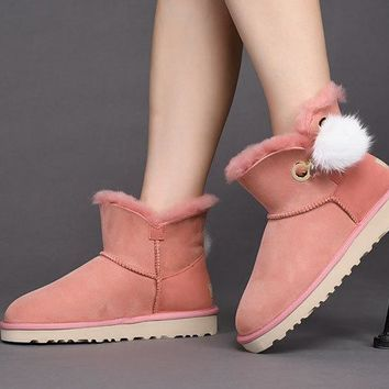 Fashion UGG LIMITED EDITION CLASSICS Boots Women Shoes 1017501