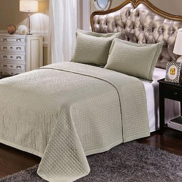 Luxury Sage Checkered Quilted Wrinkle Free Microfiber 3 Piece Coverlets Set