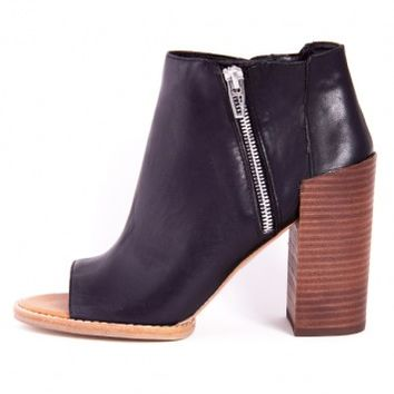 MERCY BOOTIE/ BLACK BY DV BY DOLCE VITA