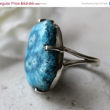 HOLIDAY SALE Blue Geode Slice Ring, 925 Sterling Silver, Cocktail ring, Solar Quartz, Size 8 Ring, Statement Druzy Ring, Geode Jewelry