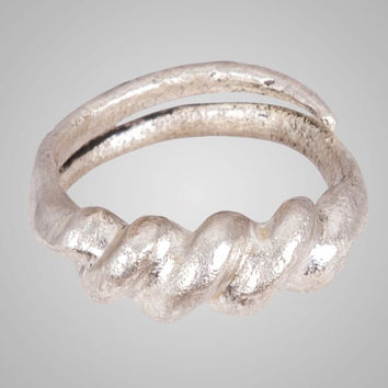 Fantastic Ancient Viking Wedding Band Jewelry C.866-1067A.D. Size 10 1/2 (20.5) Brr668 Antique Vintage