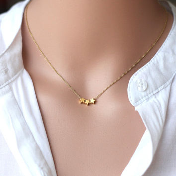 star necklace, cute gold tiny star necklace,gold star pendant,Modern, minimalist delicate jewelry, Gift for sisters, Mother, Graduation gift