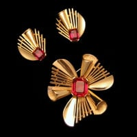 CROWN TRIFARI Mid Century Red Glass Vintage Brooch Pin Earrings Set Step Cut Rhinestones