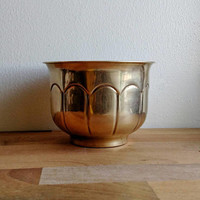 Brass Planter / Vintage / Indian Made / brass accent / succulent / House plant / boho chic decor / jungalow / scalloped / flower pot /rustic