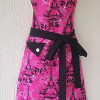 Paris, Eiffel Tower Motif Retro Apron / Gift Idea / Hostess Gift / Eclectasie