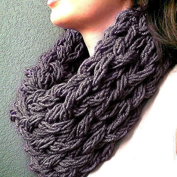 Arm knit Infinity Scarf.  Chunky Knit Scarf, Super Chunky Knit Circle Scarf, Chunky Cowl, Arm Knit Cowl, Arm knitted Circle Scarf Cowl.