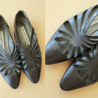 90s - Black Leather - Cut Out - Pointy Toe - Flats - Shoes - Avant Garde - Witchy - Size 8 - Via Spiga - Italy