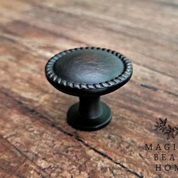Oil Rubbed Bronze Drawer Knob Farmhouse Dresser Hardware Footed Drawer Knob Oil Rubbed Bronze Drawer Pull Decorative Knob Cabinet Knob