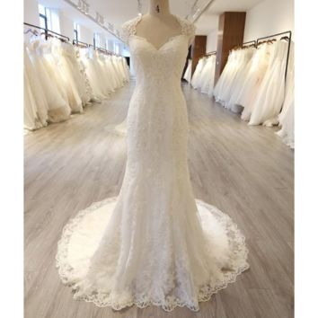 Caps Sleeve Keyhole Back Sheath Wedding Dress New Design Classic Bridal Gown
