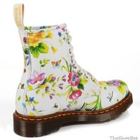 NEW Dr. Doc Martens WHITE POSY 1460 Boots UK 7 US 9