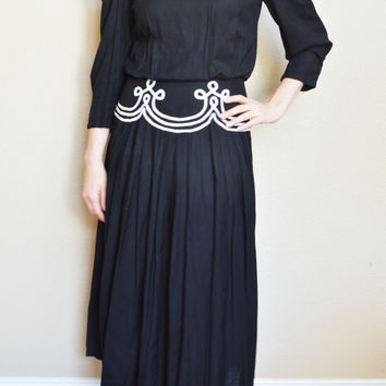 SALE 90's Vintage Long Sleeve Dress Black and White Buttons Down The Back by Sarah Elizabeth/ Size 8