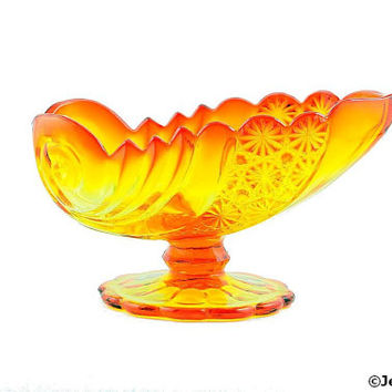 Mid Century L. G. Wright Glass Amberina Shell Footed Bowl Daisy & Button