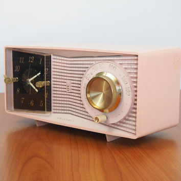 1950s Retro Clock Radio Pink / Motorola C23P Tube Radio AM Clock Radio Mid Century - Works