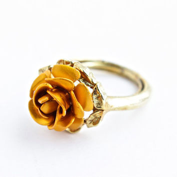 Vintage Rose Ring - Self Adjusting Gold Tone Flower Costume Jewelry / Three Dimensional Rose