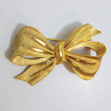 Vintage Brooch: Gold Tone Bow, Signed BSK