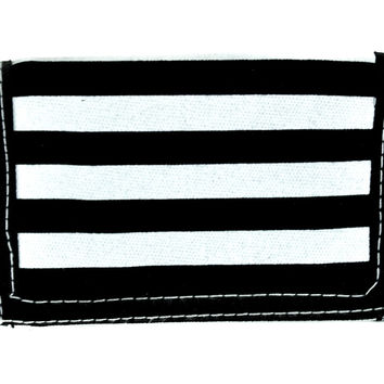 Black & White Strip Wallet Tri-fold Wallet w/ Chain Gothic Clothing