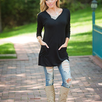 (Cyber Monday) Get Lucky Back Button Tunic Top Black