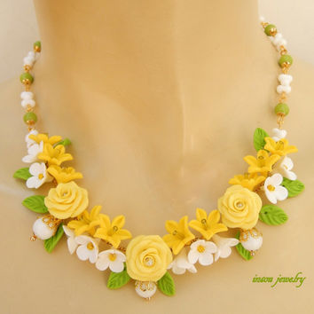 Roses jewelry - Lemon Green jewelry - Flower necklace - Handmade polymer jewelry