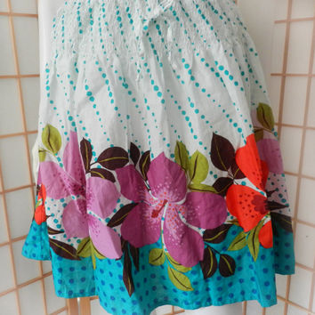 Vintage Hawaiian Hibiscus Flower Skirt/Floral Tropical Print Skirt Made In Spain, Novelty Clothing Size Small