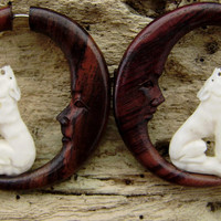 Fake gauge earrings - Bone Split Gauge tribal syle hand made organic naturally fake piercings call of the wild wolf with moon