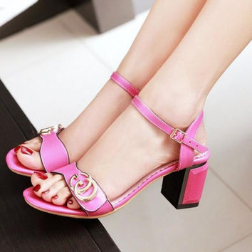 GUCCI Buckle Fashion women thick heels open-toed sandals shoes rose red