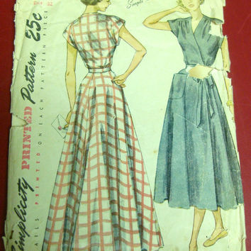 1940s House Dress Long Housecoat Sewing Pattern Simplicity 2910 Sz14 B32