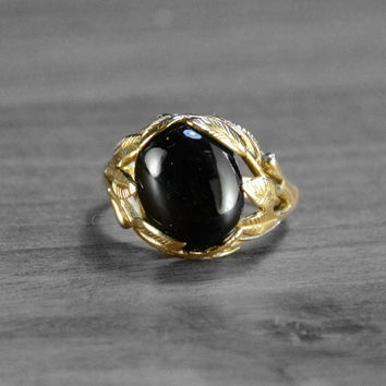 Vintage Onyx Filigree Ring >>> Vintage Floral Leaf Ring in 18k Yellow Gold with Oval Onyx Gemstone, Vintage Floral Jewelry