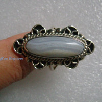 MEXICO CII 925 Sterling Silver W/Long Oval Shaped Light Lilac Color Lines/Stripes Agate Stone Classic Cocktail Ring Size 8 Weight 11 Grams