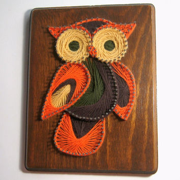 Owl String Art, Vintage 1970s String Yarn Art, Retro Owl Wall Hanging, Yarn String Art on Wood Plaque, Handmade Vintage Owl String Art