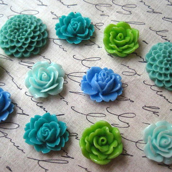 Fridge Magnets, 12 pc Flower Magnets, Green, Aqua, Blue, Turquoise, Kitchen Decor, Stocking Stuffer, Small Gift, Wedding Favors
