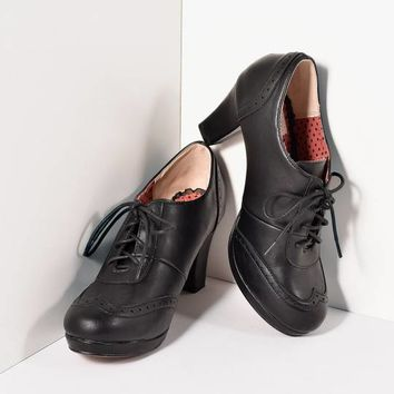 Bettie Page Black Leatherette Lace Up Saison Oxford Heels