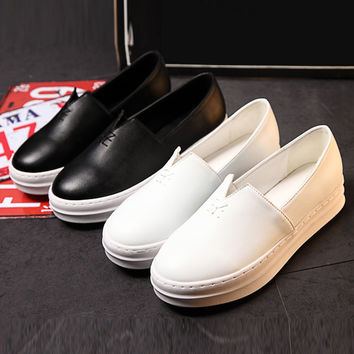 Color Round Slip-On Shoes