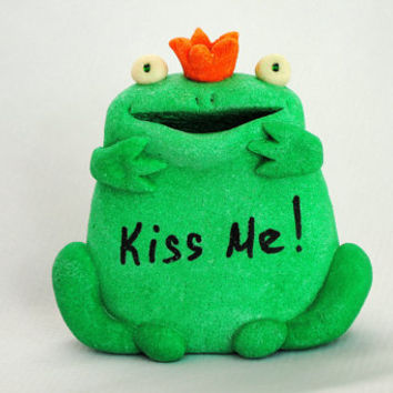 Princess Frog Royalty, Cool gift ideas, Green sculpture, Green sculpture frog, Green figurines. OOAK. Decorative figurine.