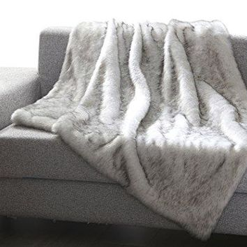 Into the Wild Heavy Faux Fur Throw Blanket (50 inch  x 60 inch ) - Grey Wolf
