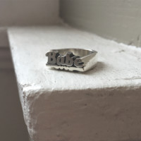 Babe Stacklabe Name Ring
