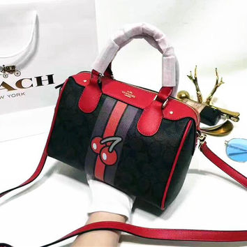 COACH Woman shopping  hand bag Apricot