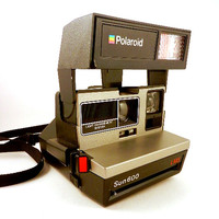 Polaroid Sun 600 LMS Camera with Case Automatic Developing Retro Instant Film Photography